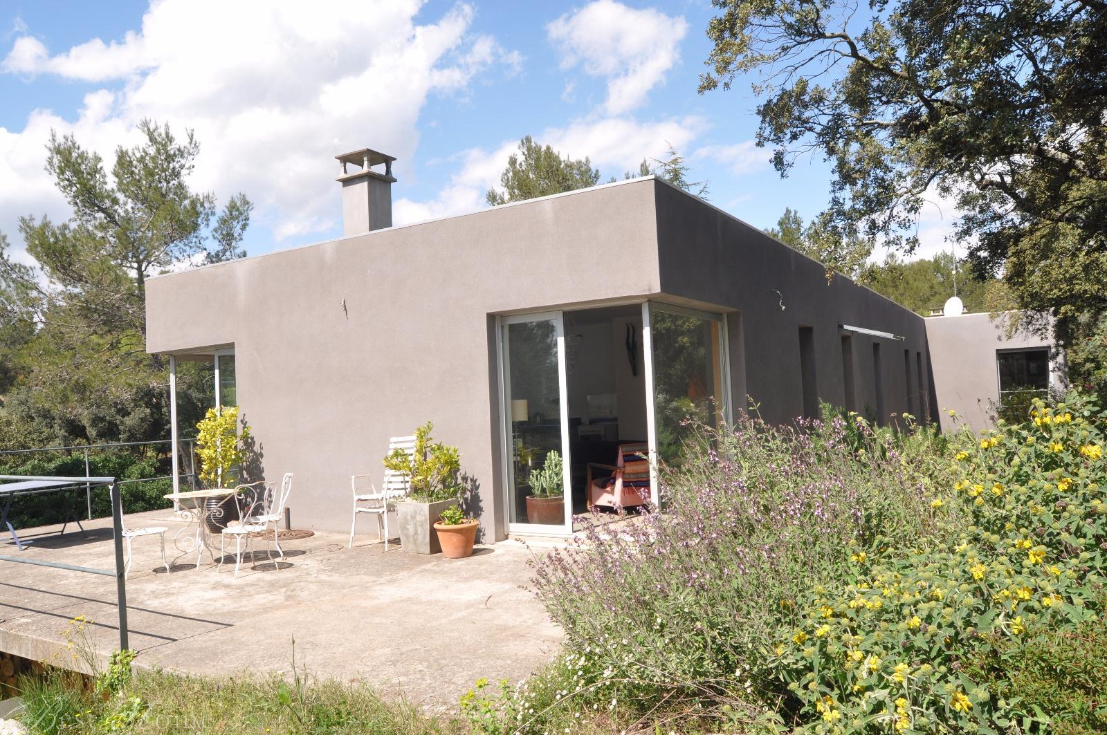 Vente maison contemporaine avec grand terrain arbor n mes for Maison moderne nimes