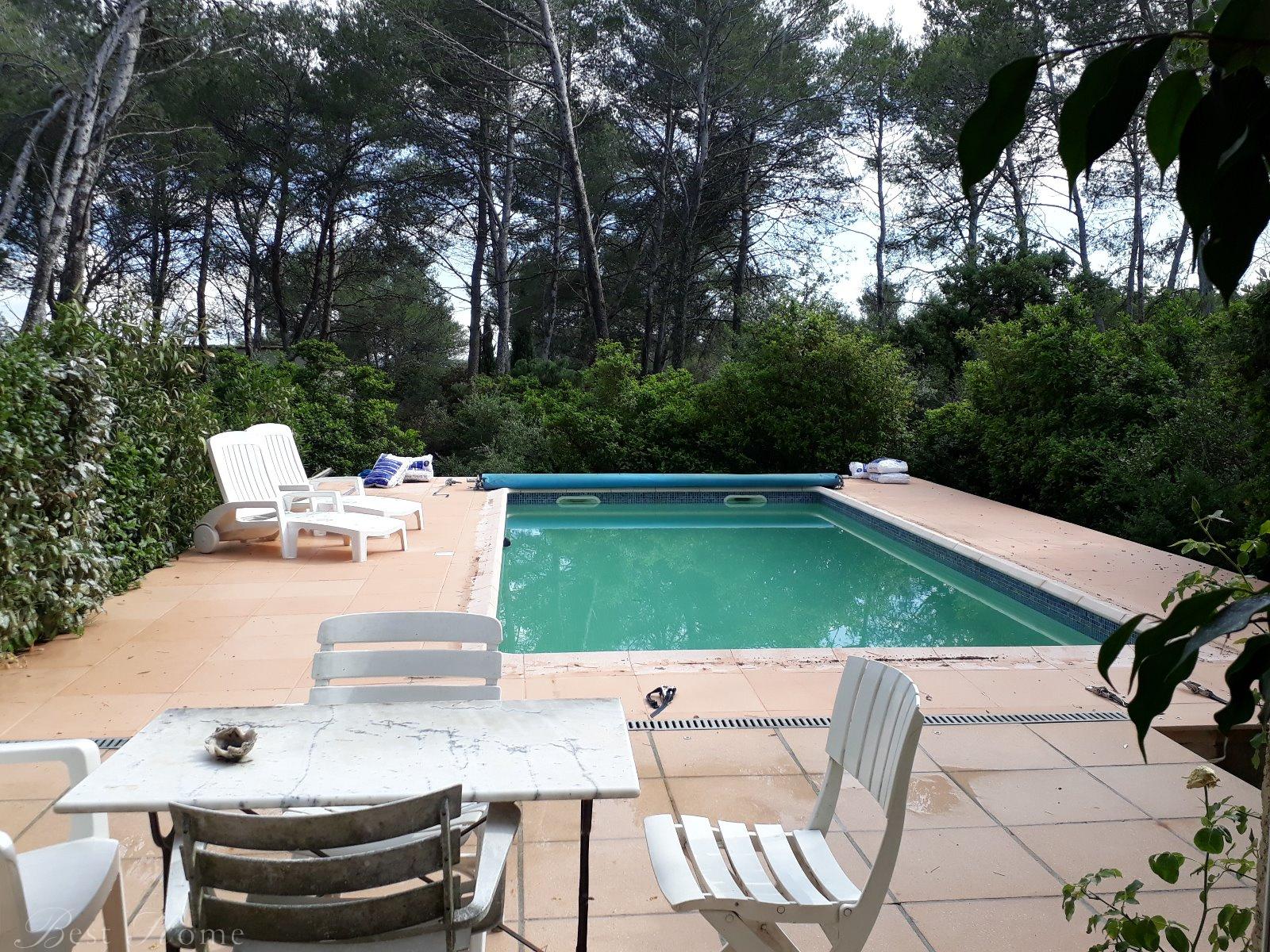 vente nouveaut vente maison d architecte colline nord de nimes 4 chambres piscine best. Black Bedroom Furniture Sets. Home Design Ideas