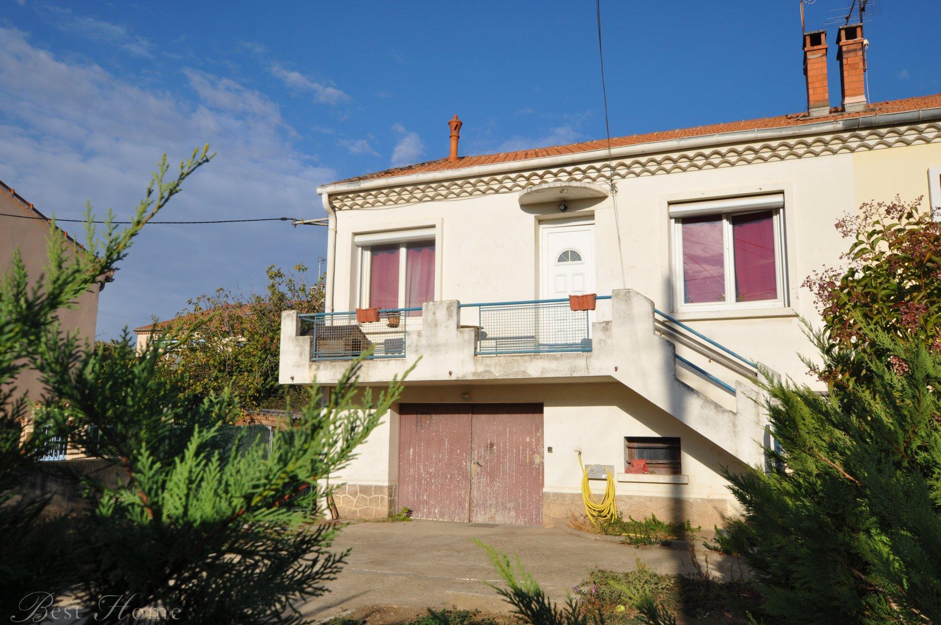 Vente urgent maison de ville nimes beausoleil vendre for Garage ad nimes