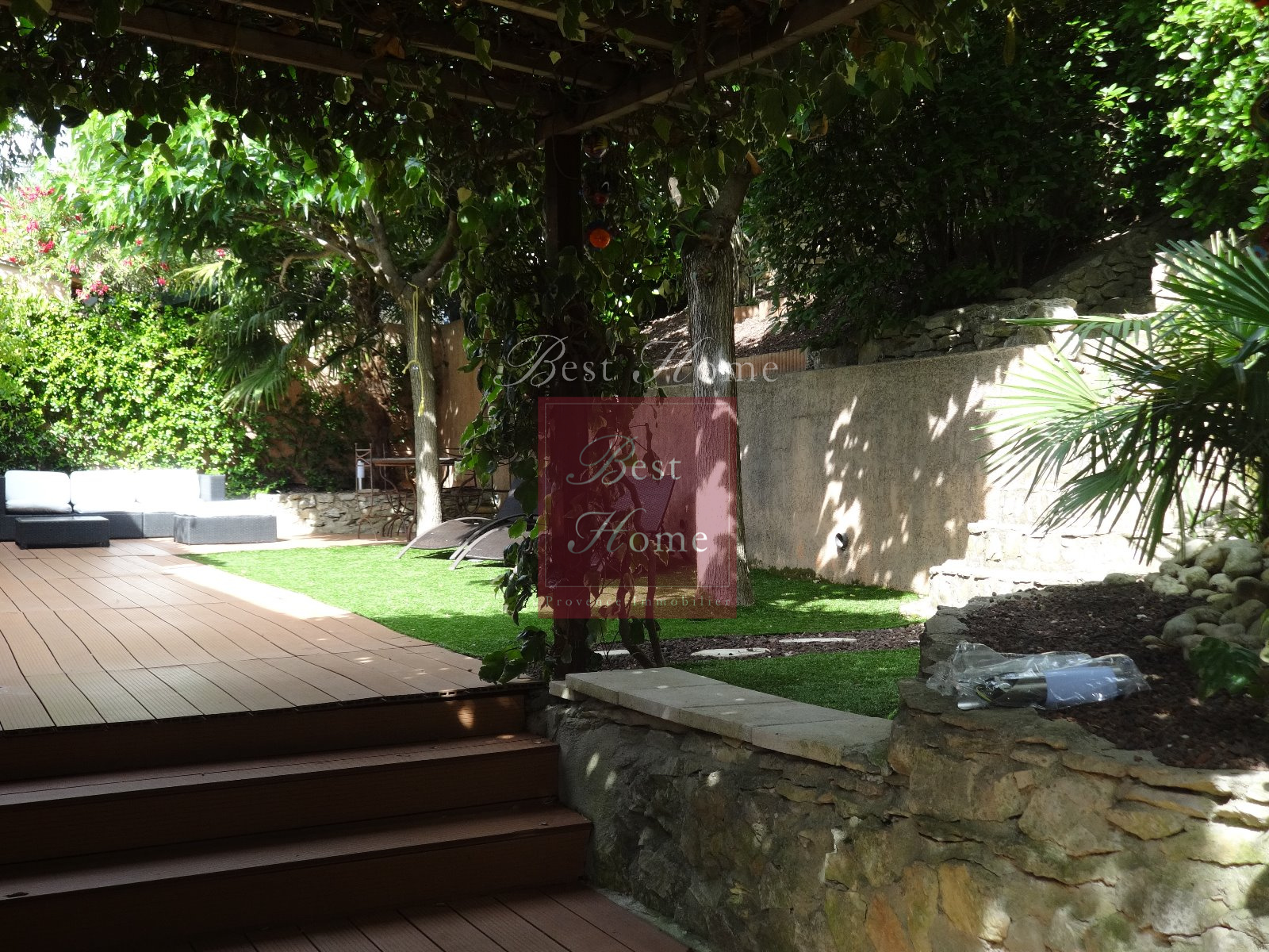 Vente vente agr able maison villa quartier route d uzes nimes avec son jardin intime plein de - Vente maison jardin nimes toulon ...