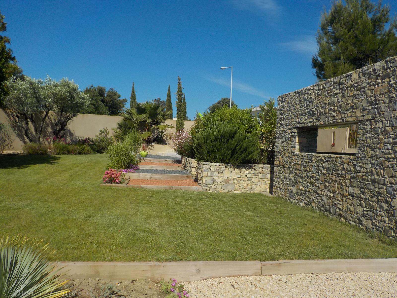 Vente a vendre n mes carr meau villa contemporaine 4 for Jardin villa contemporaine