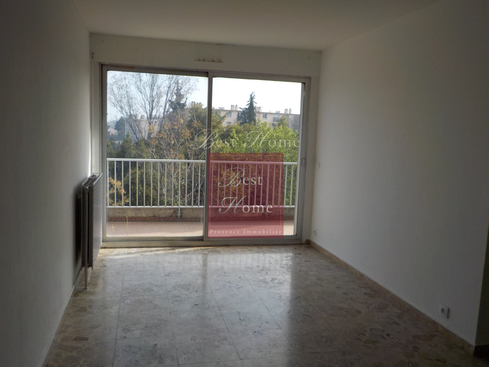 Location location appartement n mes quartier les marronniers appartement de type 2 r nov d - Location appartement meuble nimes ...